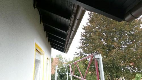 Fertige Dachuntersicht und Regenrinne