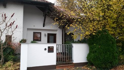 Fertiger Eingangsbereich (rechts)